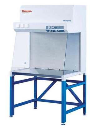 Ламинарный шкаф 1 класса микробиологической защиты HERAguard
